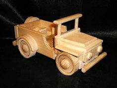 Holz Jeep Spielzeug Modelle http://www.soly-holzspielzeug.de/autos/spielzeug-auto-aus-holz-jeep-371.html