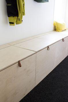 DIY kenkäloota vanerista / DIY shoebox from plywood DIY bench with storage space. Diy Storage Bench, Built In Storage, Storage Spaces, Plywood Storage, Paint Storage, Storage Ideas, Storage Chest, Hallway Storage Bench, Garage Storage