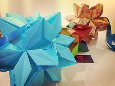 Kusudama Origami designed by Ekaterina Lukasheva   meirehirata.com Follow me on Instagram: Meire Hirata Origami