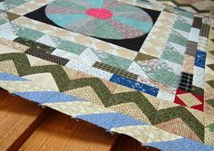 Medallion Quilt Along – Border 4 – Half Square Triangles | Bloomin' Workshop