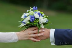 Wedding bouquets are something infinitely singular and personal, each of them reflects like a magic mirror the personality of its owner. Religious Ceremony, Religious Wedding, European Wedding, Civil Wedding, Wedding Bouquets, Reflection, Romantic, Bride, Times