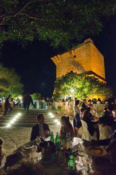 Weddings by the sea in charming Sicily!  #destinationweddings #weddingsinsicily