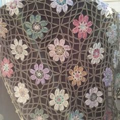 Blanket in Bloom - Nice little tutorial on join as you go.