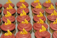 http://thepartyanimal.hubpages.com/hub/The-Last-Airbender-Birthday-Cake-and-Cupcake-Ideas