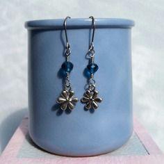 Boucles d'oreilles breloque fleur