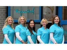 Team Mirjam Stoof. Ik werk al 20 jaar als schoonheidsspecialiste en heb een cosmetisch instituut waarin we ons richten op huidverbetering en huidproblemen.