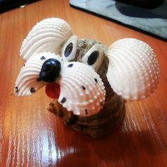 А мне собаку из ракушек подарили #подарок#ракушковаясобака#сувенирсморя#морскойсувенир#люблюподарки