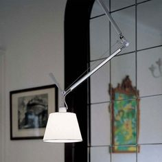 De Artemide Tolomeo #hanglamp decentraal is ontworpen door Giancarlo Fassina en Michele De Lucchi en is onderdeel van de Artemide Tolomeo serie. #verlichting #lamp