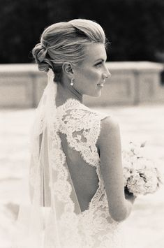 I love the simple elegance of this bridal hairstyle