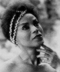 Elza Soares, por Thereza Eugenia, 1985