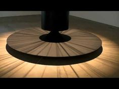 Len Lye´s kinetic sculptures shown at the IKON Gallery in Birmingham. Good video showing various works, most sound oriented.