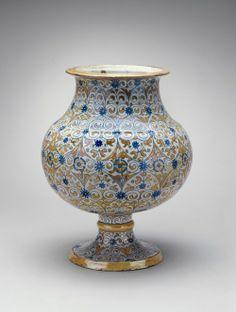 Italian (Deruta), 16th century Deruta Maiolica Vase