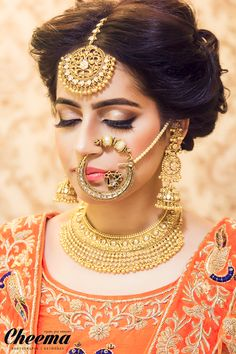 Looking for Pakistani bridal look with jewellery and dupatta draping style? Browse of latest bridal photos, lehenga & jewelry designs, decor ideas, etc. on WedMeGood Gallery. Indian Wedding Jewelry, Indian Jewelry, Pakistani Gold Jewelry, Indian Weddings, Real Weddings, Bridal Nose Ring, Nath Bridal, Bridal Hair, Bridal Chura