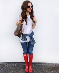 ideas for red hunter boats outfit spring summer Summer Boots Outfit, Spring Boots, Spring Outfits, Red Hunter Boots, Red Rain Boots, Fashion Models, Fashion Outfits, Preppy Fashion, Fashion Weeks