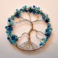 wire-wrapped tree of life - *easy* how-to at Lisa's Craft Blog #handmade #jewelry #pendant #wire_wrap #beading #DIY #craft