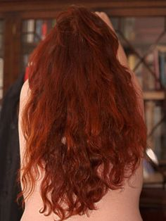 What is a recipe for henna hair dye?