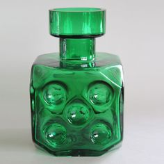 Green 'Noppa' art glass vase designed in the by Erkkitapio Siiroinen for Riihimäki Lasi Oy, Finland.