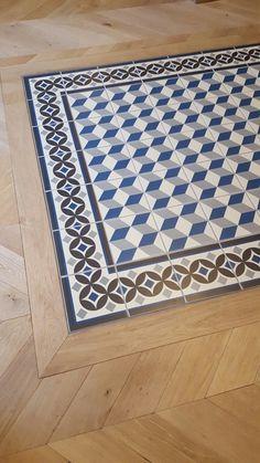 Tile carpet made by st maclou - - Tapis de carrelage fait par st maclou Tile carpet made by st maclou Commercial Carpet Tiles, Commercial Flooring, Wooden Flooring, Kitchen Flooring, Tile To Wood Transition, Vinyl Floor Mat, Art Mat, Art Deco Home, Tile Installation