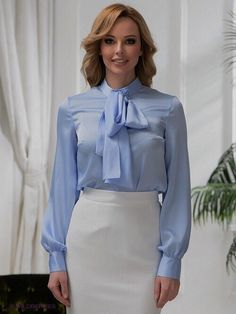 Bow blouse and skirt combo Office Looks, Blouse And Skirt, Dress Skirt, Blue Blouse, Hot Outfits, Dress Outfits, Satin Bluse, Beautiful Blouses, Beautiful Women