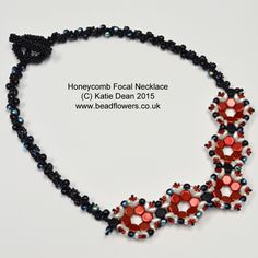 Use Honeycomb beads to make a focal motif, then attach it to a spiral stitch necklace. You will also need Superduos and size 11 beads. Suitable for all.