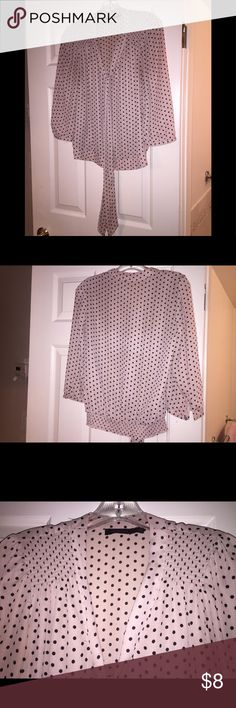 Nougat-Colored&Black Polka Dot w/tie top. CLASSIC! This LIMITED brand work blouse is beautiful. Washes well as a polyester and can be in your wardrobe for years. The blouse hits at the hip and looks great by itself, under a v-neck sweater/cardigan or a blazer! Gently worn...though you would never know as it washes well and has stood in my closet for years. WISH I could fit in this beautiful classic. Always felt like a dream in this garment. You will, too❤️ Nougat-colored cream/beige and…