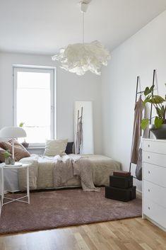Chandelier Bedroom, Bedroom Lamps, Bedroom Lighting, Bedroom Decor, Ikea Bedroom, Home Bedroom, Krusning Ikea, Ikea Lighting, Ikea Lamp