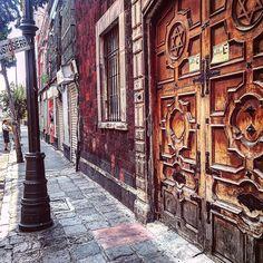 Algunos pendientes dominicales  Sinagoga Histórica Justo Sierra  2016.  #arte #art #México #MexicoCity #CentroHistórico #templo #sinagoga #ciudaddeMéxico #trabajo #adictosalaciudad #city #jewish #jew #jewishart #neoclásico #neorromano #downtown #sinagogah