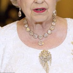 Queen Elizabeth~ she has an out of this world jewelry collection~ British Crown Jewels, Royal Crown Jewels, Royal Crowns, Royal Jewelry, Tiaras And Crowns, Victoria Prince, Queens Jewels, Family Jewels, Queen Elizabeth