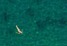 Os meses de julho e agosto, período de férias na Europa, não são recomendáveis: todos os cantinhos da costa ficam superlotados.