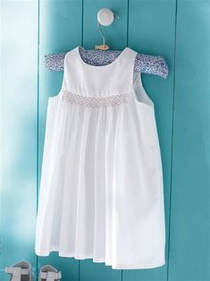 Beach Dresses, Cute Dresses, Girls Dresses, Smocking Patterns, Smocks, Christening Outfit, Creation Couture, Heirloom Sewing, Smock Dress