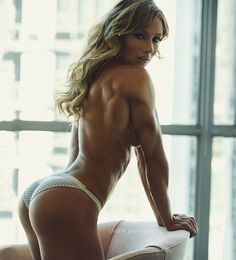 When your back muscles are trying to show off...  || @leelhgfx by paigehathaway