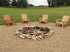 Diy Fire Pit, Fire Pit Backyard, Fire Pits, Garden Bed Layout, Fire Pit Chairs, Patio Chairs, Adirondack Chairs, Fire Pit Furniture, Fire Pit Designs