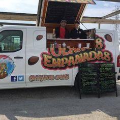 Empanadas is yet another winning food concept on a van. Food Concept, Empanadas, Food Truck, Crow, Van, Fabric, Ideas, Tejido, Tela