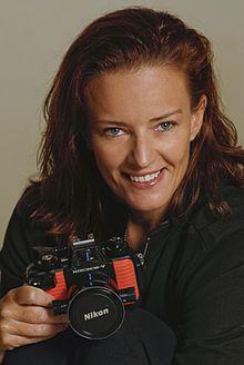 Fiona Ayerst with Nikonos.jpeg