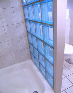 Glasbaustein Dusche Attic Bathroom, Bathroom Wall, Small Bathroom, Bathroom Ideas, Bathrooms, Glass Block Shower, Glass Blocks Wall, Shed Plans, Bathroom Organization