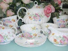 Lovely Treasures from English Garden: Royal Doulton
