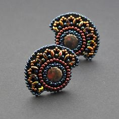 So want to learn how to do this kind of beading.