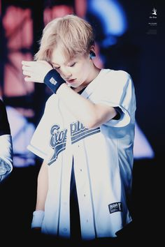 """""""160722 EXO FROM. EXOPLANET #3 - The EXO'rDium in Seoul ice tree 