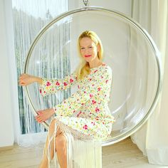 Ich liebe die Marke Rixo London. #rixolondon #dresses Rene Caovilla, Laura Biagiotti, Rixo London, Trends, Hanging Chair, Gentleman, Blog, Dresses, En Vogue