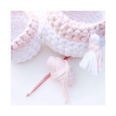 Crochet baskets with #zpagetti #Hoooked | pastel | #crochet