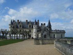 Château Royal d'Amboise en bord de Loire #voyage #france #loire #centre http://www.flowersway.com/visite/chateau-royal-d-amboise-330