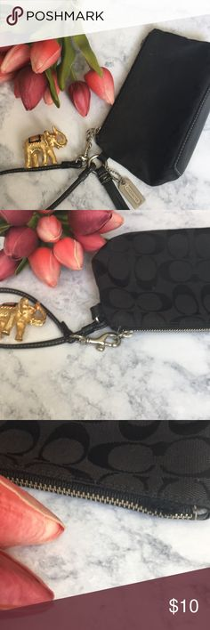 Black Coach Wristlet w/minor zipper flaw Minor zipper flaw (still zips all the way can be repaired) otherwise beautiful condition. Coach Bags Clutches & Wristlets