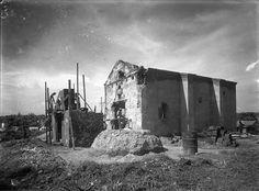 SANTO DOMINGO / 1940 Imagen de la Capilla del Rosario en proceso de Restauracion. Margen Oriental del Rio Ozama. Santo Domingo, Republica Dominicana. Fuente : AGN Imagenes de Nuestra Historia
