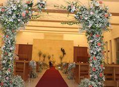 Decora tu altar al estilo Shabby Chic. #ShabbyChic #Flores #Altar #Iglesia