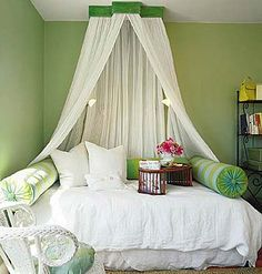 Charming day bed, gives the room a luxurious feel where any guest would feel pampered.
