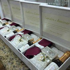 Kit para o casal de padrinhos com gravata, Baby Chandon, Porta joias e amêndoas…