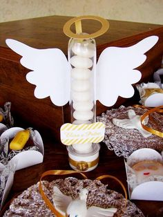 anjo Boy Baptism Centerpieces, First Communion Favors, Ideas Para Fiestas, Holidays And Events, Birthday Parties, Projects To Try, Birthdays, Place Card Holders, Alice