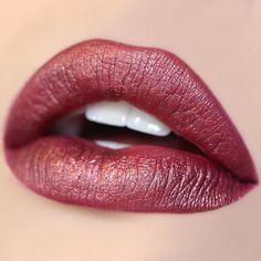 Ultra Metallic lipstick Kween