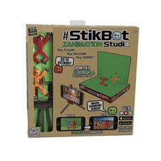 """StikBot é o primeiro brinquedo para criares os teus próprios vídeos de animação! Descarrega a aplicação gratuita StikBot Studios e cria os teus próprios vídeos junto com o estúdio de animação e as tuas figuras Stikbot. Diverte-te com os teus amigos!<br><br>Duas figuras stikbot, um tripé para o telemóvel e um cenário especial para efeitos """"Croma"""". Junta a paisagem que queiras ao teu filme, com o efeito """"Croma"""".  Só com a app de stikbot, é muito fácil!<br>&..."""