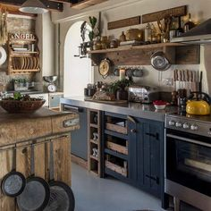 decordemon: House in Cornwall, decorated in an authentic rustic style